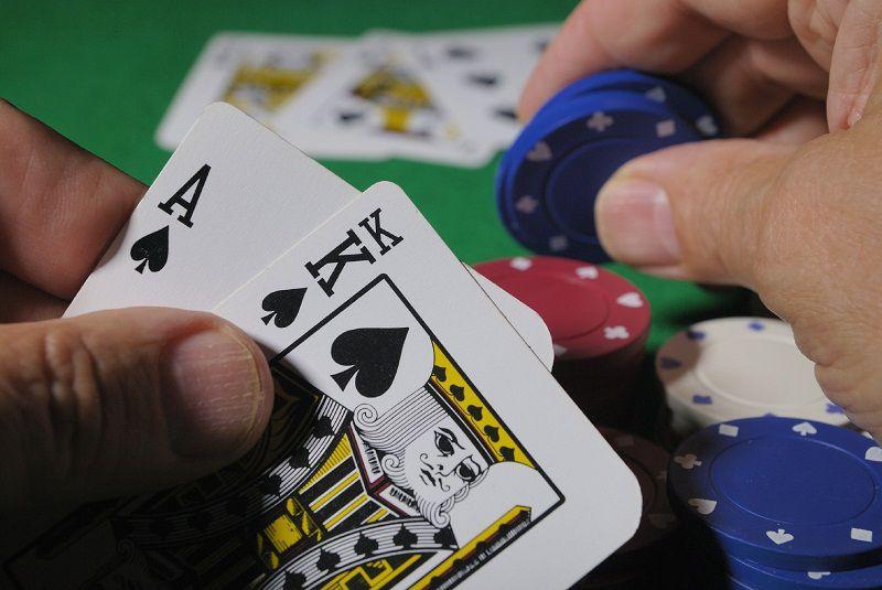 Con đường của game thủ chơi trò chơi đánh bài slot game cần phải học